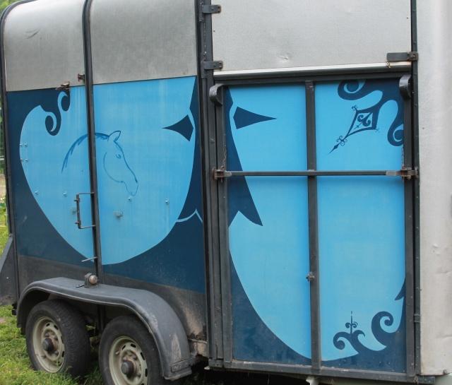 Faire changer le plancher d 39 un van for Peinture pour contreplaque