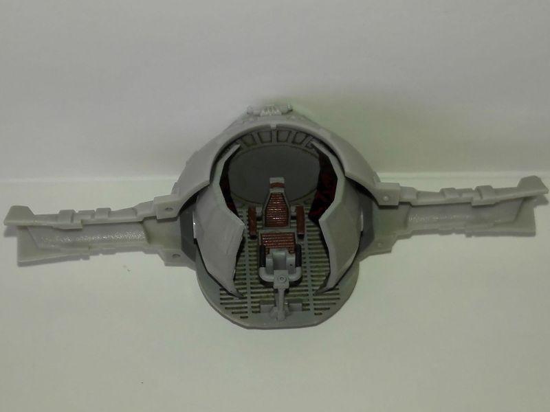 Le poste de pilotage du TIE Interceptor