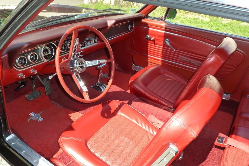 Mustang coup 66 noir interieur rouge vendu le 29 09 12 for Moquette interieur voiture