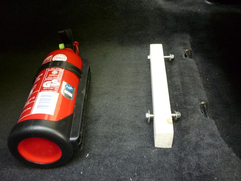 extincteur de voiture affordable extincteur manuel sparco alu fia kg with extincteur de voiture. Black Bedroom Furniture Sets. Home Design Ideas