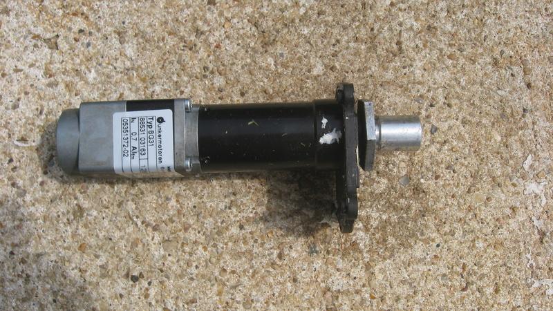 http://i35.servimg.com/u/f35/14/74/06/09/img_4210.jpg