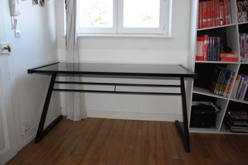 vend bureau 150x70cm. Black Bedroom Furniture Sets. Home Design Ideas