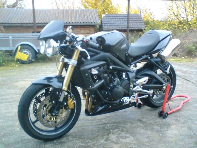 les modifs que j 39 ai fait sur mon ancien street triple. Black Bedroom Furniture Sets. Home Design Ideas
