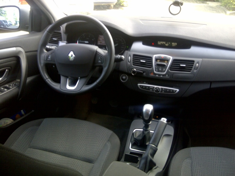 vends laguna estate iii diesel 130ch expression 39900 km 2009. Black Bedroom Furniture Sets. Home Design Ideas