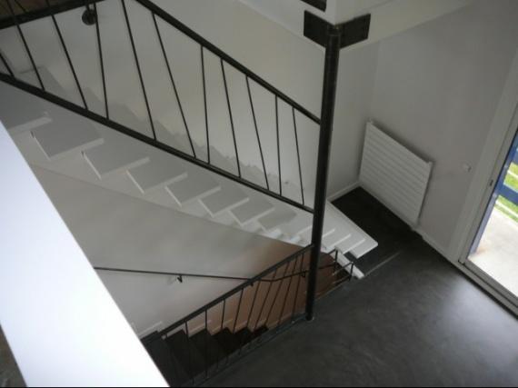 conseils brico faire sa rampe d 39 escalier soi m me. Black Bedroom Furniture Sets. Home Design Ideas