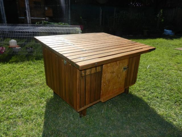 fabrication d 39 un petit poulailler d 39 appoint. Black Bedroom Furniture Sets. Home Design Ideas