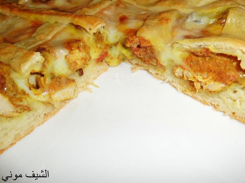 الطماطم والفلفل والزيت ونسيبها على النار لغاية ماتستوي عشان نضمن